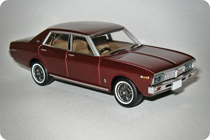 Tomica-Tomy Limited Vintage Nissan Laurel 2000SGX